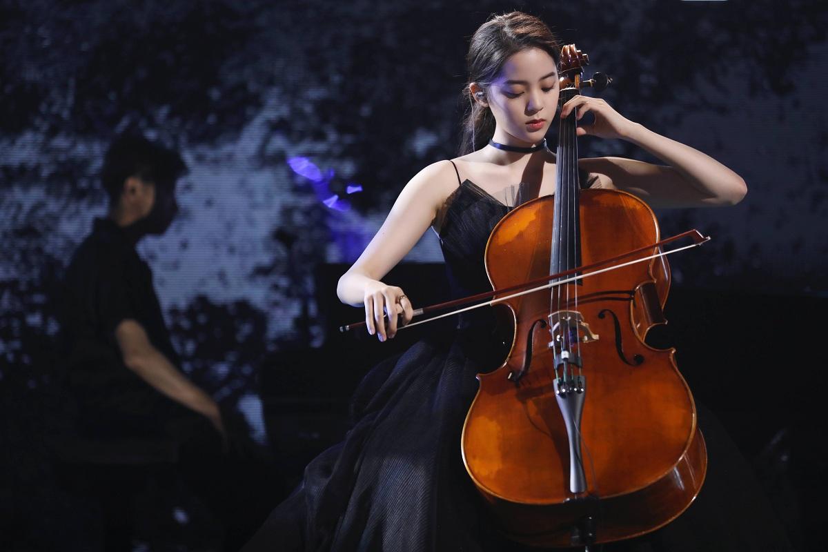 欧阳娜娜生日音乐会全程高能 脱单锦鲤在线许愿:全员脱单