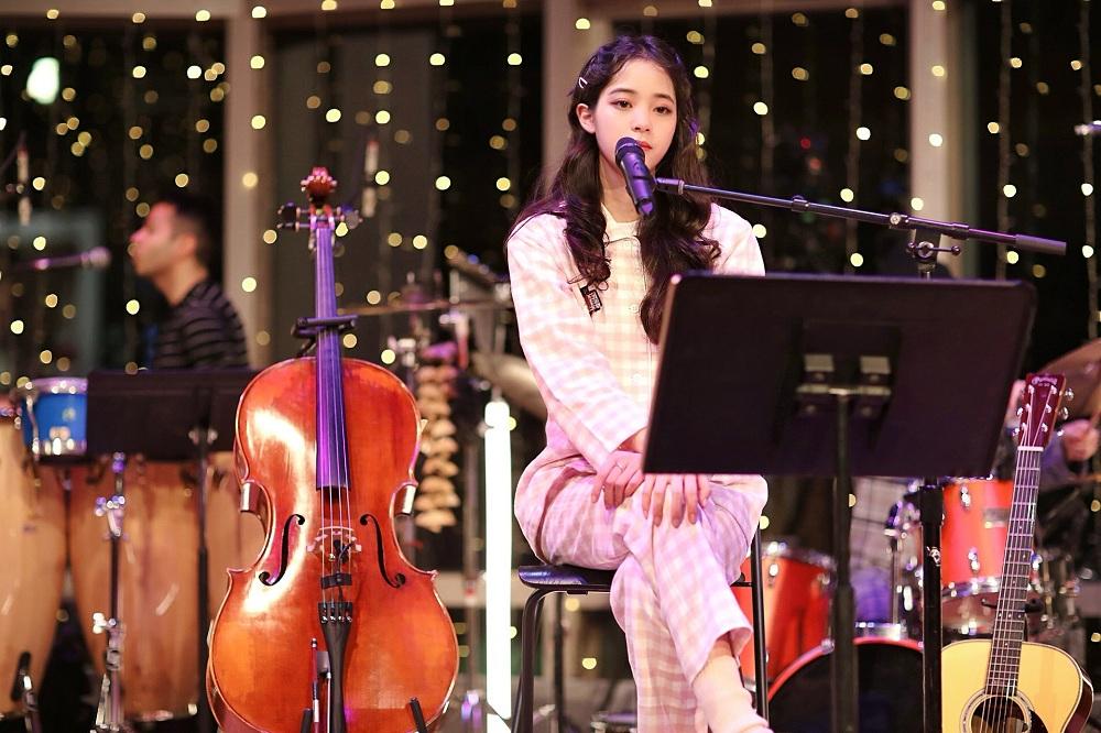 欧阳娜娜冬日音乐会连唱十二首  演出收益捐赠至自创奖学金