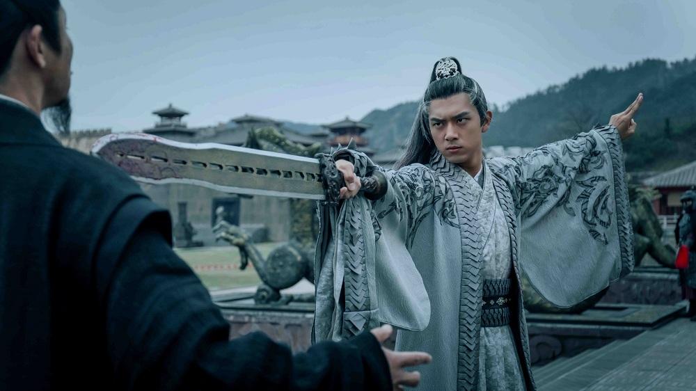 李现《剑王朝》收官 发文感谢角色真情道别