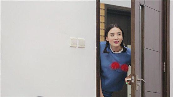 """宋佳重返《一年级》 """"超级马李""""扑倒""""小花老师"""""""